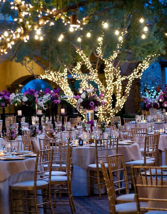 Ngất ngây với 18 mẫu lọ hoa dáng cao trong tiệc cưới 12