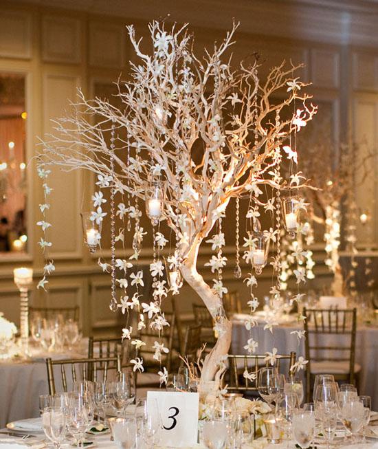 Ngất ngây với 18 mẫu lọ hoa dáng cao trong tiệc cưới 13