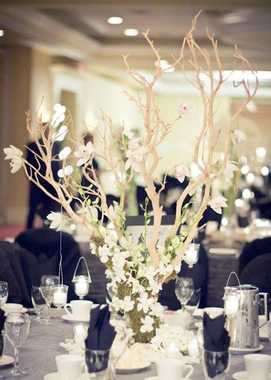 Ngất ngây với 18 mẫu lọ hoa dáng cao trong tiệc cưới 11