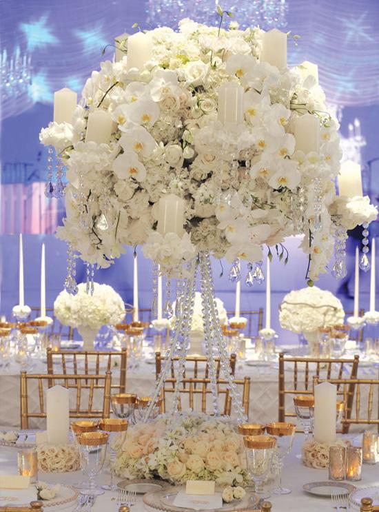 Ngất ngây với 18 mẫu lọ hoa dáng cao trong tiệc cưới 5