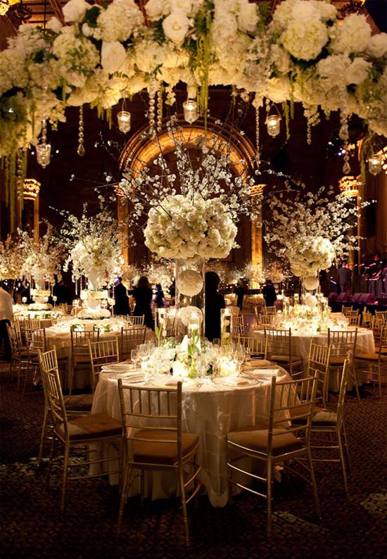 Ngất ngây với 18 mẫu lọ hoa dáng cao trong tiệc cưới 6