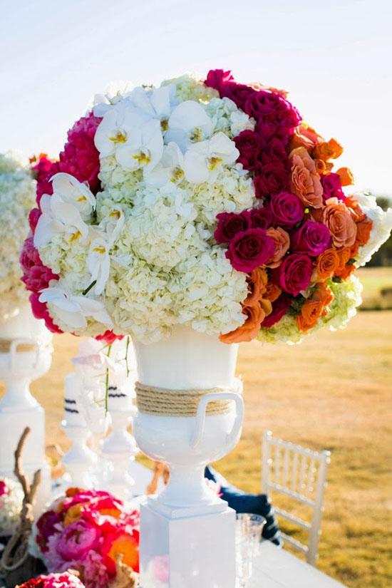 Ngất ngây với 18 mẫu lọ hoa dáng cao trong tiệc cưới 8