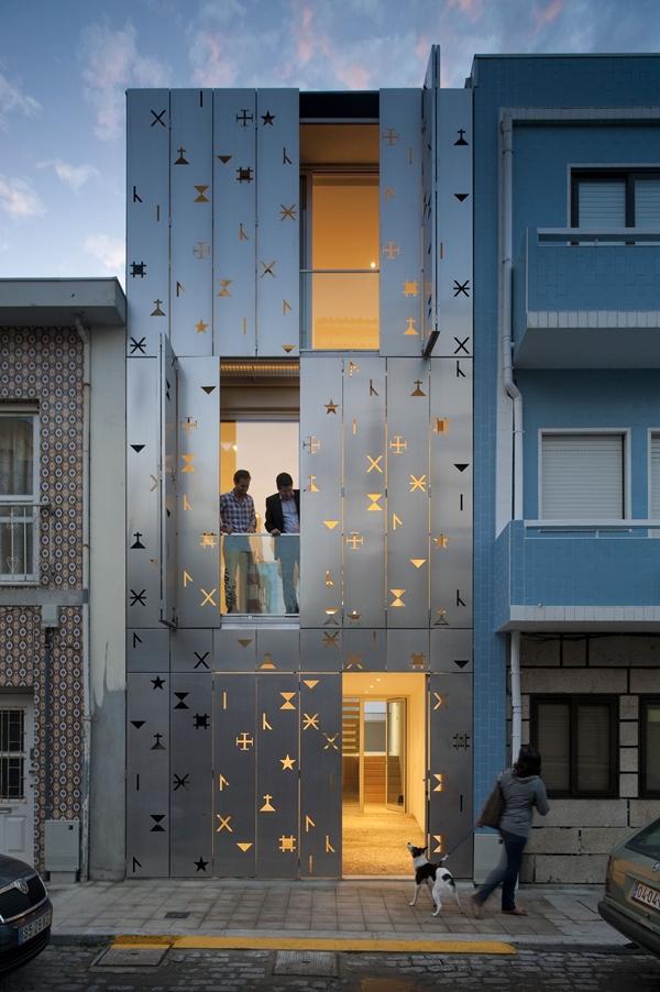 Ngắm những ngôi nhà có mặt tiền cực kì bắt mắt 1