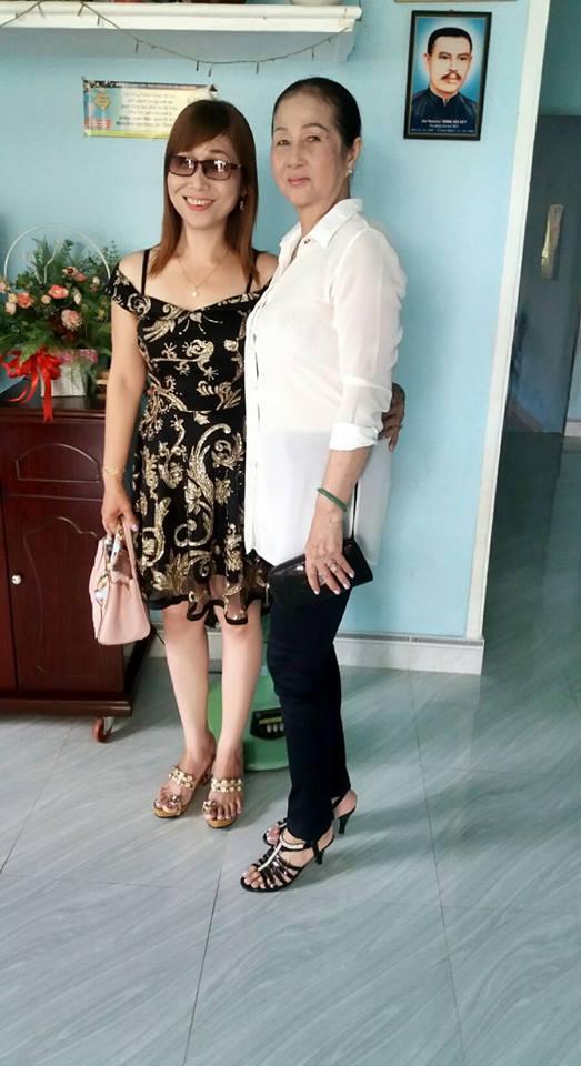 bà và mẹ