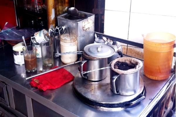 5 điểm cà phê vỉa hè hút người Sài Gòn nhất 3