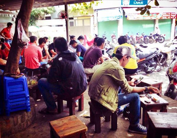 5 điểm cà phê vỉa hè hút người Sài Gòn nhất 8