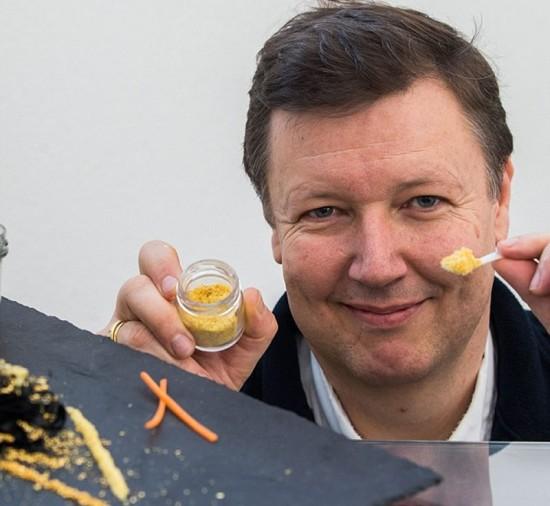Trứng cá muối ướp vàng - Món ăn đắt giá nhất thế giới 2