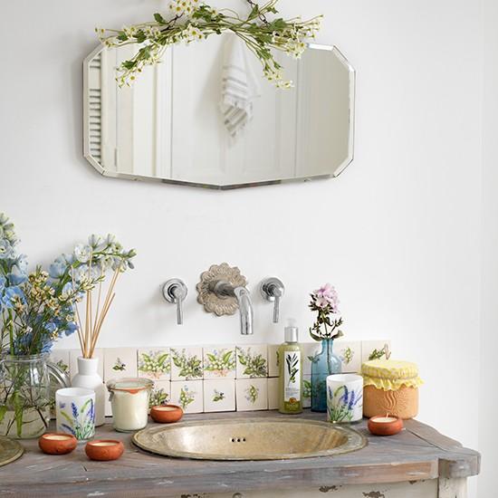Phòng tắm ngọt ngào với phong cách vintage 3