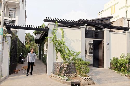 """2 căn nhà """"phủ kín"""" gỗ của sao Việt 8"""