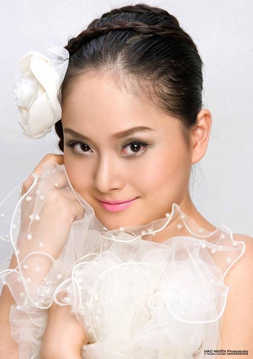 HTV Awards: Hiền Thục đối đầu Uyên Linh, Văn Mai Hương 14