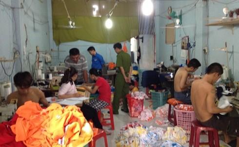 Giải cứu 5 đứa trẻ trong xưởng may hành xác tuổi thơ 1
