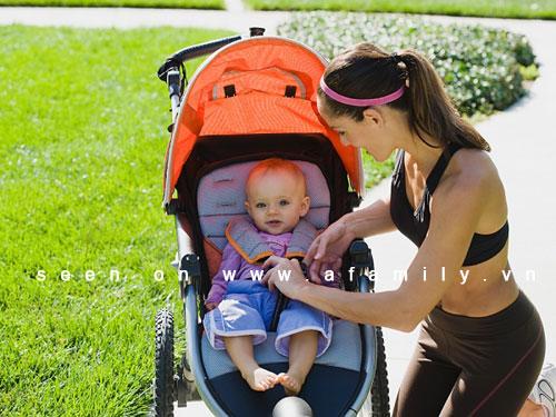 Những môn thể dục mẹ có thể tập cùng bé 4