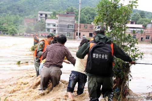 Mưa bão lớn khiến 22 người thiệt mạng, 7 người mất tích 1