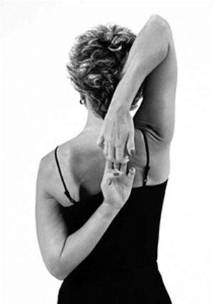 Giảm đau đầu hiệu quả nhờ 4 động tác yoga đơn giản 4
