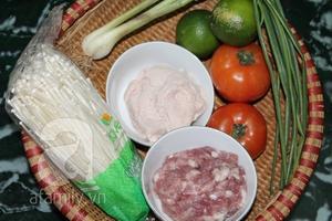 Canh thịt viên nấu nấm nóng hổi ngọt thơm 2