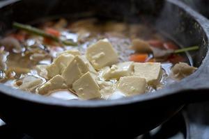 Canh đậu nấu nấm ấm lòng bữa tối mùa đông 7