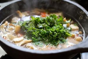 Canh đậu nấu nấm ấm lòng bữa tối mùa đông 8