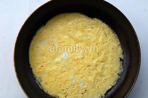 Trứng cuộn tôm lạ miệng ngon cơm 4