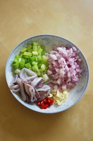 Món ngon cuối tuần: Mực hấp kiểu Thái    3