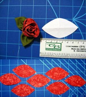 Cách làm hoa hồng vải đơn giản mà đẹp 2
