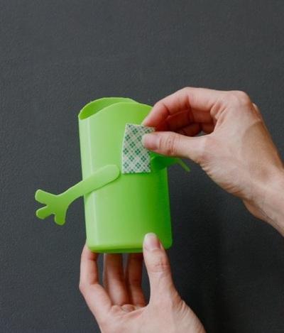 Tự chế ống đựng bút ngộ nghĩnh từ vỏ chai nhựa 11