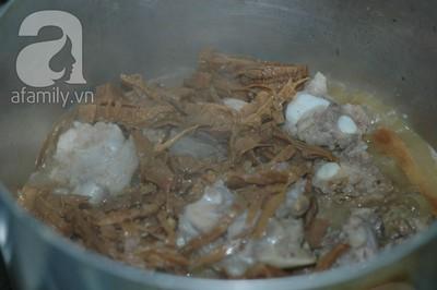 27 Tết: Tham khảo cách nấu canh măng khô siêu ngon 15