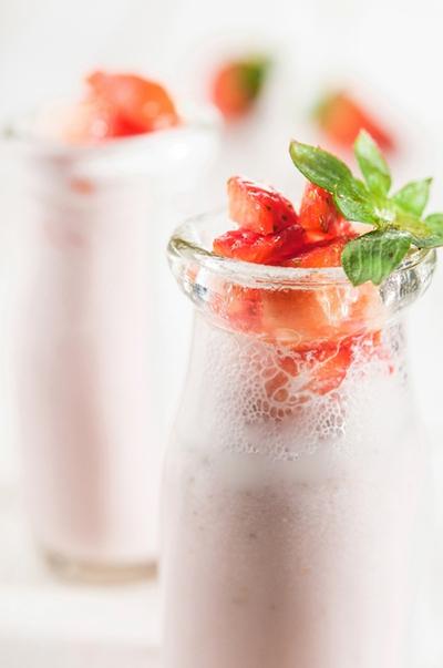 Thưởng thức 2 món đồ uống từ dâu tây ngon bổ 7