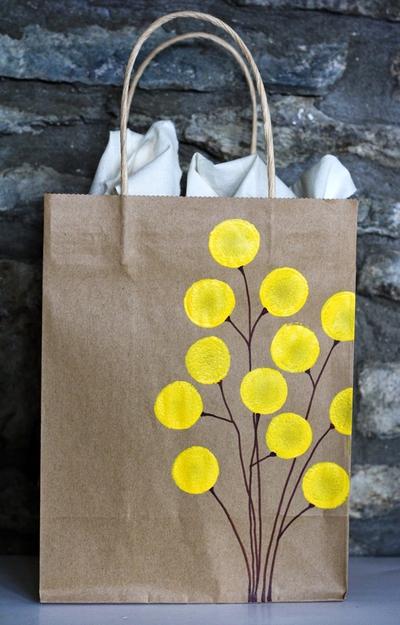Cách trang trí túi xách, gói quà, thiệp đơn giản mà đẹp 12