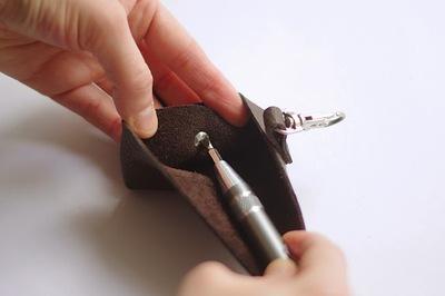 Không cần may vá, tự làm ví da mini siêu đơn giản 14