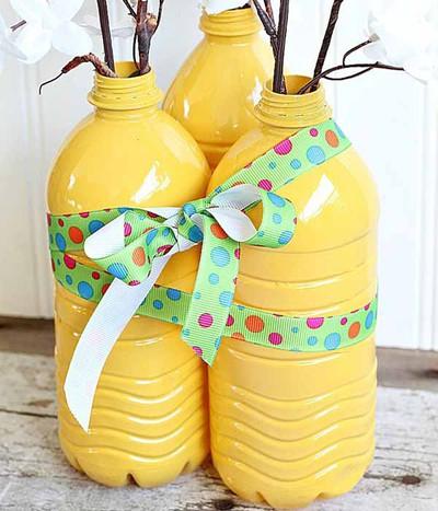 3 bước đơn giản tái chế chai nhựa thành lọ cắm hoa 10