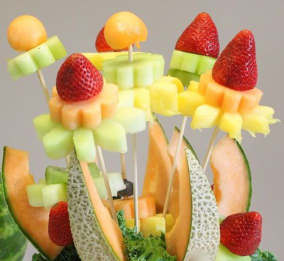 Cắt tỉa trái cây thành bình hoa trang trí xinh yêu 12