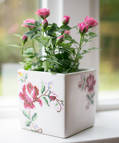 Làm mới chậu hoa siêu xinh trang trí nhà mình 11