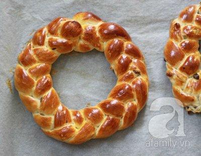 Bánh mỳ vòng nguyệt quế mềm thơm cho Noel thêm vui 25