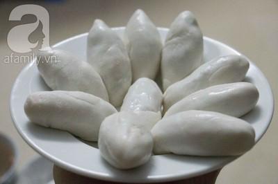 Thơm giòn nóng hổi món bánh rán nhân tôm thịt 14
