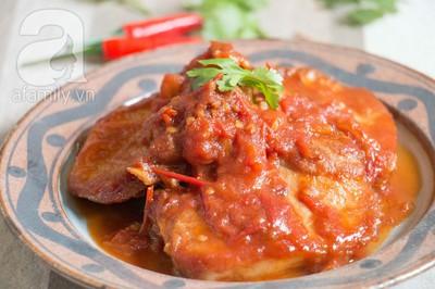 Bữa tối làm nhanh ăn ngon với sườn cốt lết xốt cà chua 16