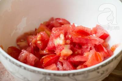 Bữa tối làm nhanh ăn ngon với sườn cốt lết xốt cà chua 6