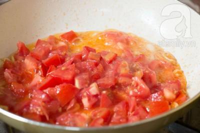Bữa tối làm nhanh ăn ngon với sườn cốt lết xốt cà chua 13