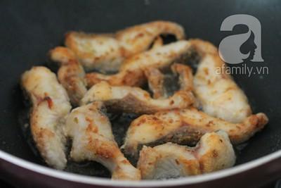 Cay thơm giòn rụm món cá chiên sả ớt 10