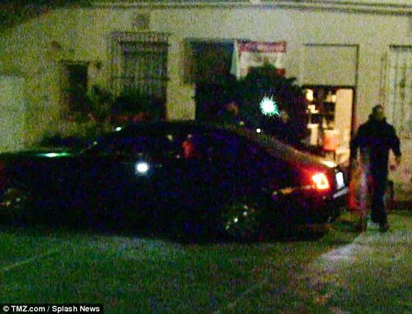 Selena Gomez và Justin Bieber bất ngờ cùng về chung khách sạn 2