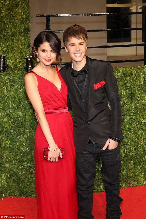 Selena Gomez và Justin Bieber bất ngờ cùng về chung khách sạn 1
