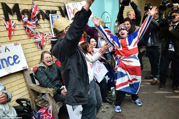 Hoàng gia Anh vui mừng nghe tin công nương Kate sinh em bé