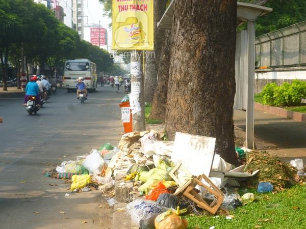 Sài Gòn có đôi chỗ xấu xí 1