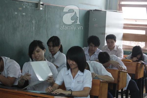Khâm phục tài năng, nghị lực của thầy giáo khiếm thị dạy toán hiếm hoi ở TP.HCM 8
