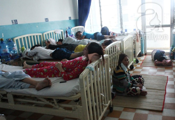 TP.HCM: Người lớn lao đao vì bệnh sởi 4