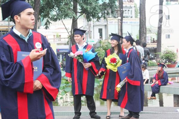 Rạng ngời những gương mặt tân cử nhân trong ngày lễ tốt nghiệp 2