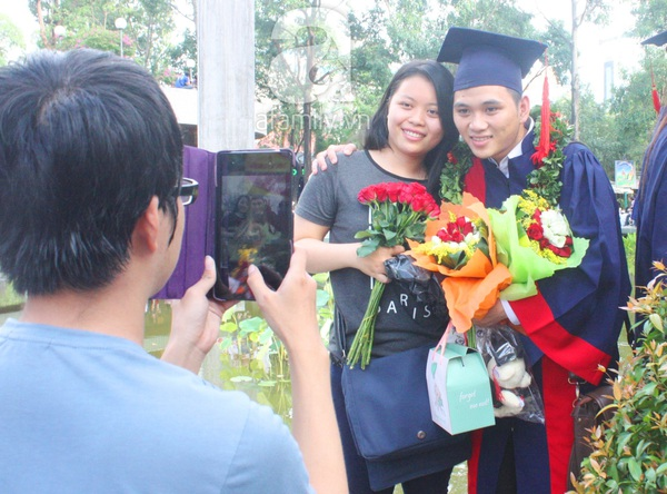 Rạng ngời những gương mặt tân cử nhân trong ngày lễ tốt nghiệp 20