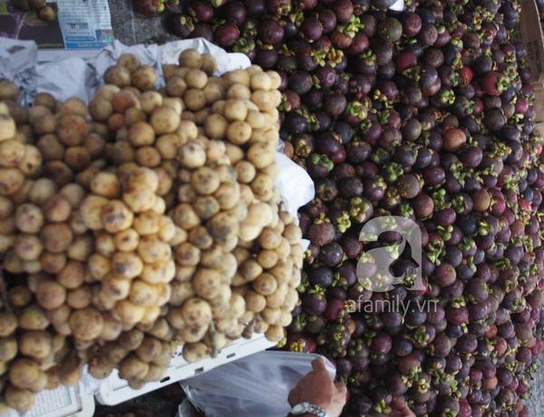 """TP.HCM: Giá trái cây bình dân đắt gấp 3 lần trái cây """"quý tộc"""" 3"""