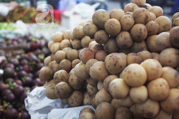 """TP.HCM: Giá trái cây bình dân đắt gấp 3 lần trái cây """"quý tộc"""" 6"""