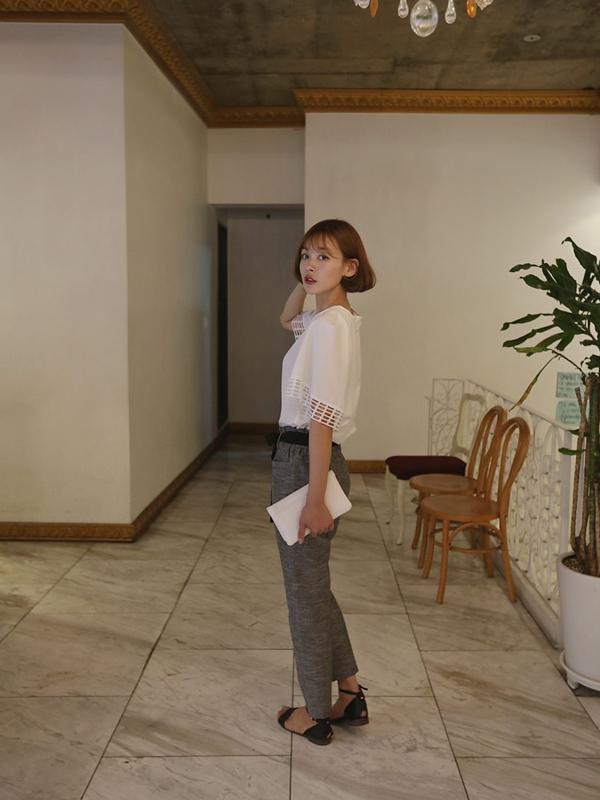 Muôn vàn kiểu mặc đồ công sở duyên dáng với sandal mát mẻ 11