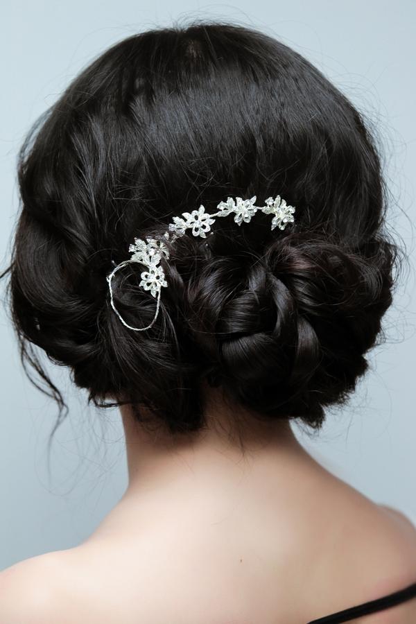 3 kiểu búi khiến tóc mái bằng trông vẫn kiêu sa và thanh lịch 5